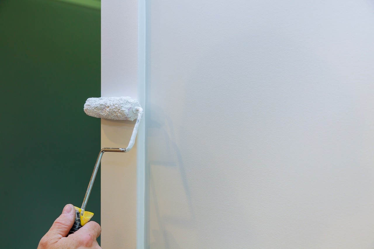 Painting wall trims