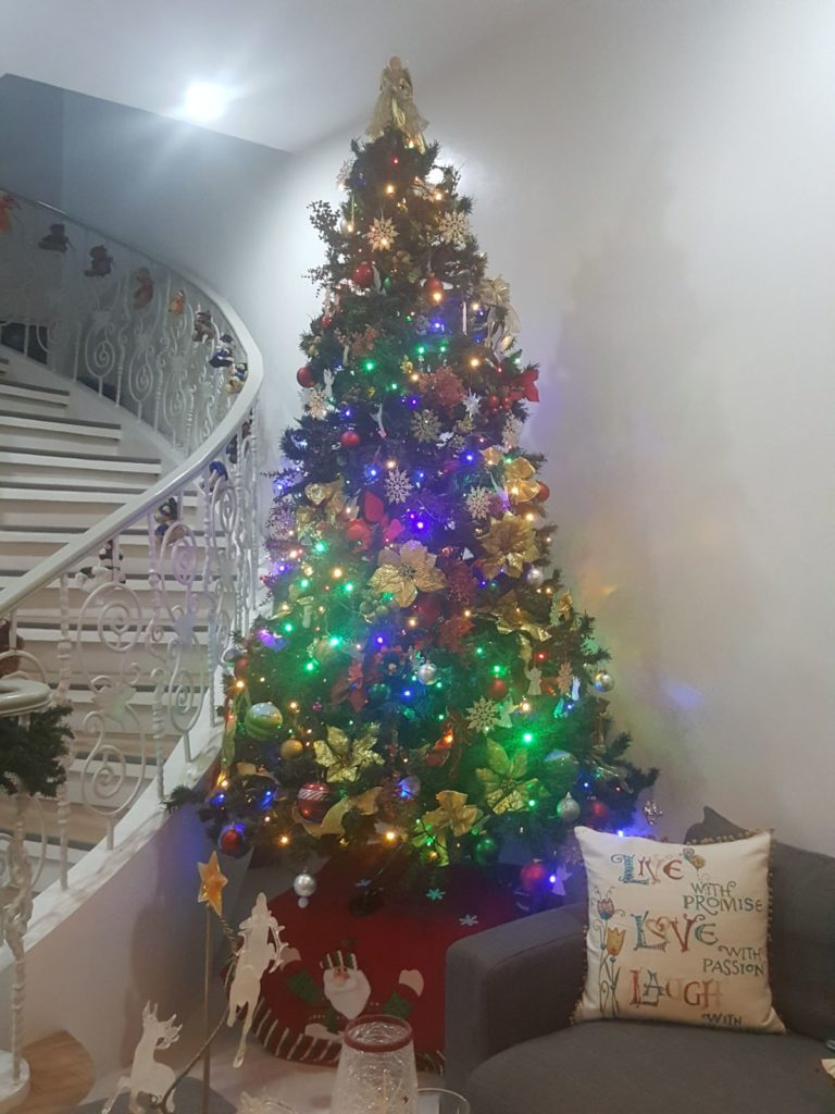 Bringing Back the Colors of Christmas