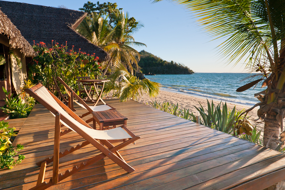 Homebound: A Dream Beach Home For Summer Days