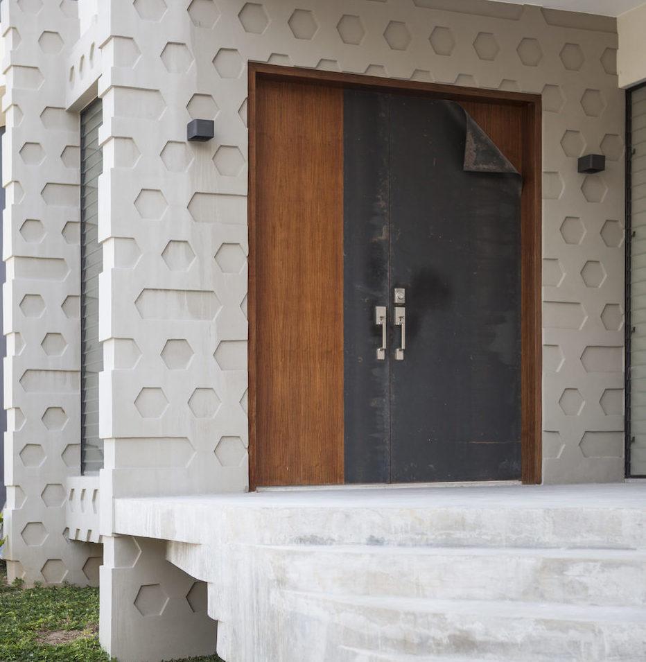 """""""Metal"""" door"""